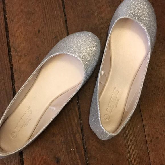 Davids Bridal Silver Glitter Flats